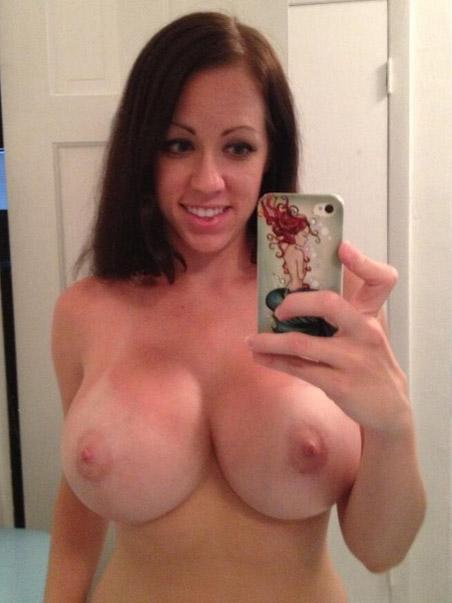 Große Amateur Titten Bilder