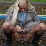 pissbilder-blonde-frauen-4